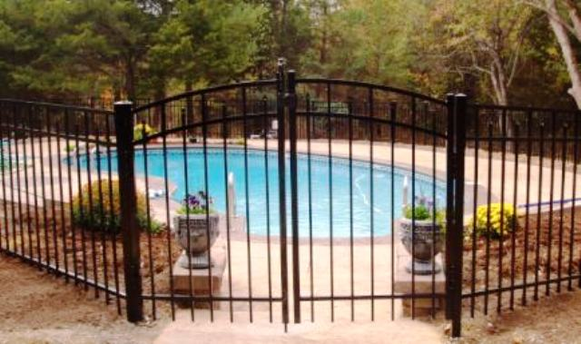 Raleigh pool fences pool fencing safety swimming pool fences - Swimming pool fencing options consider ...